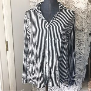 Women's navy blue striped button down top L NWOT